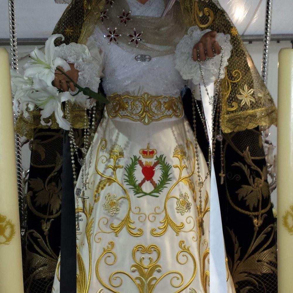 Sayas y vestidos para Virgen